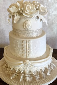 Cream Roses and Lace Wedding Cake